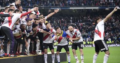 <span style='color:#FFF;font-size:12px;text-transform: uppercase;background-color:#289dcc;'>VENCIÓ A BOCA JUNIORS 3-1 EN MADRID</span> </br> River Plate campeón de América
