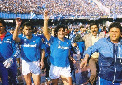 <span style='color:#FFF;font-size:12px;text-transform: uppercase;background-color:#289dcc;'>HACE 34 AÑOS</span> </br> Cuando Diego lo hizo: Napoli campeón por primera vez en su historia