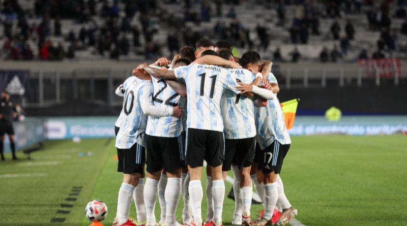 <span style='color:#FFF;font-size:12px;text-transform: uppercase;background-color:#289dcc;'>Triple fecha de Eliminatorias</span> </br> Para anotar: fechas confirmadas en las Eliminatorias para la Selección Argentina